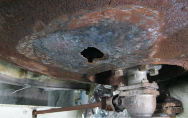 タンク穴修理