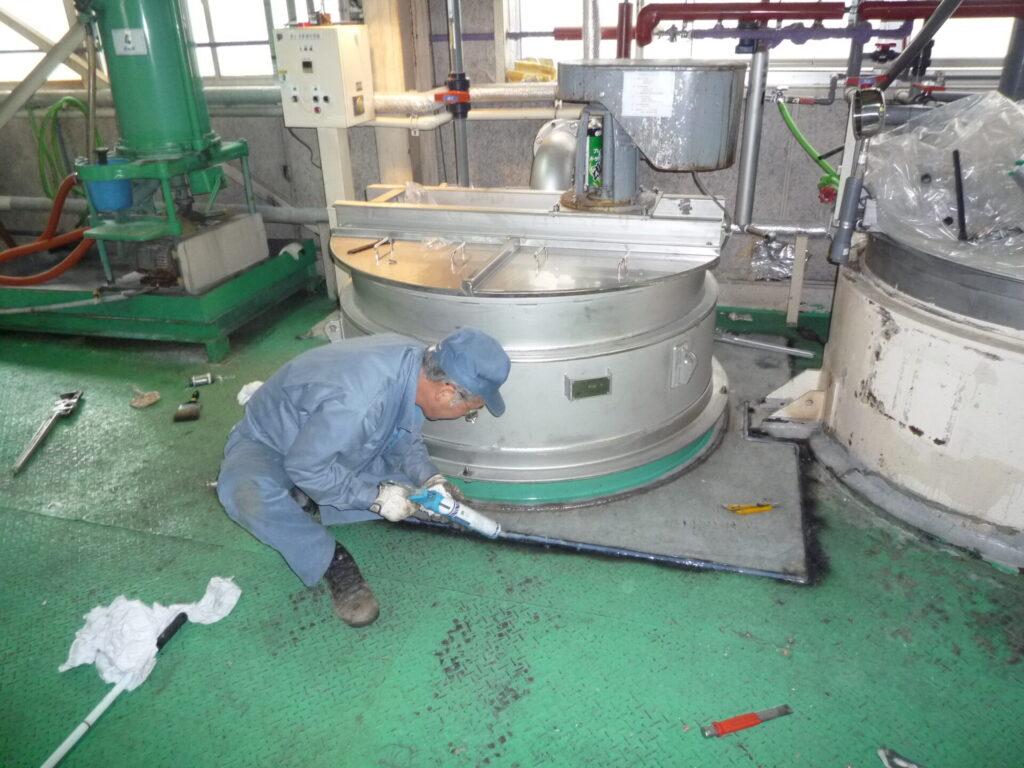 タンク撤去から床改造と据付まで(名古屋)